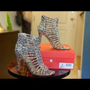 Cheetah print strappy heels 7.5